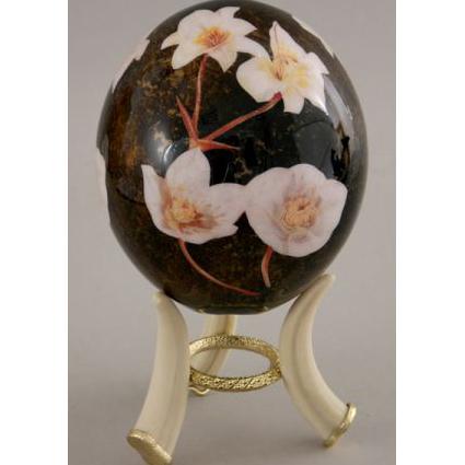 Страусиное яйцо «Белые цветы»