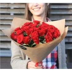 Букет из 25 красных роз высотой 40 см