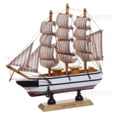 Деревянная модель корабля, длина 20см