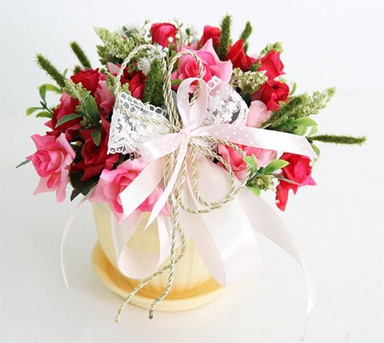 Цветочная композиция Розы в кашпо