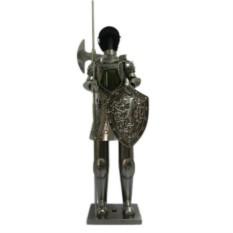 Декор бутылки из металла Рыцарь с секирой
