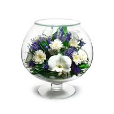 Композиция из натуральных орхидей и хризантем в фужере