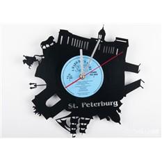 Часы из виниловой пластинки Питер