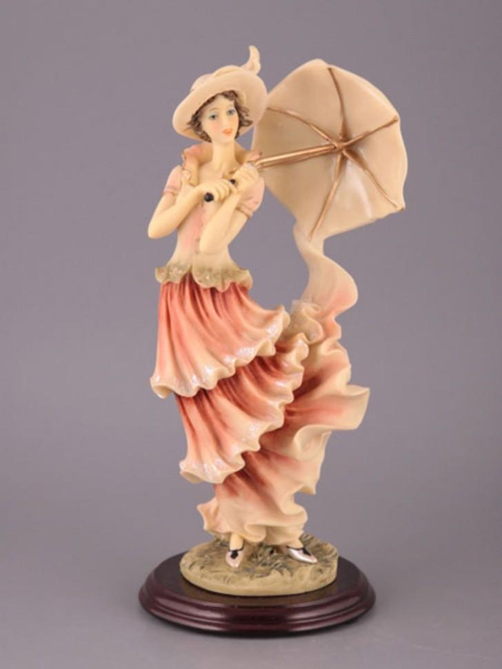 Статуэтка Дама с зонтиком