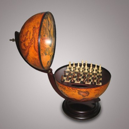 Глобус-бар с шахматами