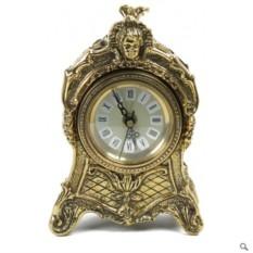 Бронзовые часы из бронзы Объятия