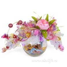 Розовый букет из конфет Забава