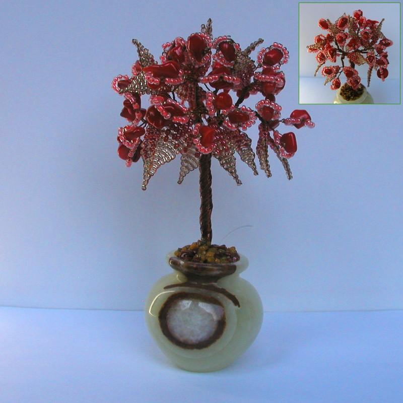 Дерево любви из красного коралла