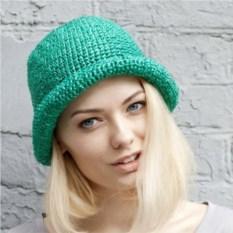 Изумрудная летняя шляпа из рафии