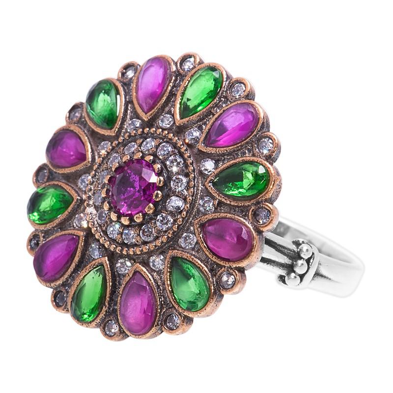 Перстень с цирконами, рубинами, изумрудами и гранатами