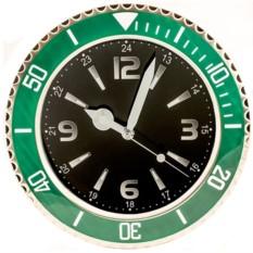 Зеленые настенные часы Командир