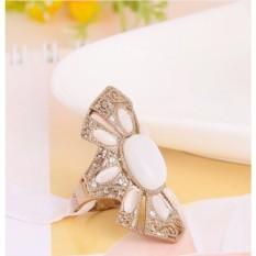 Винтажное кольцо с опалами и кристаллами «Баронесса»