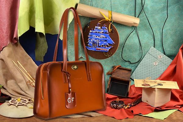 Коричневая сумка Giorgio Ferretti из натуральной кожи