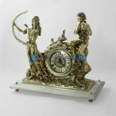 Часы из бронзы Музыканты