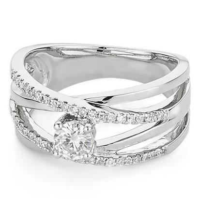 Серебряное кольцо с муассанитом Silviya