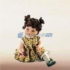 Фарфоровая статуэтка Девочка в платье в цветочек
