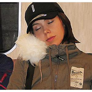 Подушка для сна в метро