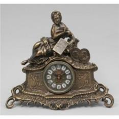 Часы-фигурка Дама с книгой