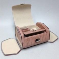 Светло-розовая шкатулка для украшений из экокожи