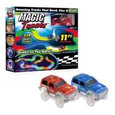 Конструктор трассы Magic Tracks из 220 деталей и 2 машинки