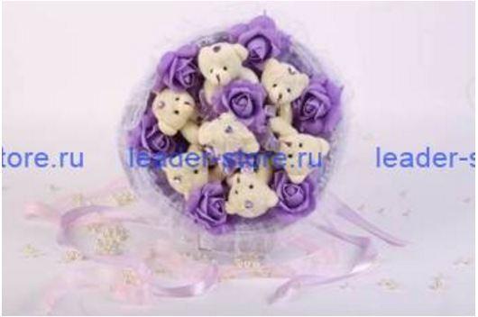 Букет из игрушек Мишки с фиолетовыми розами