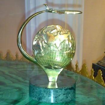 Визитница «Глобус на камне»