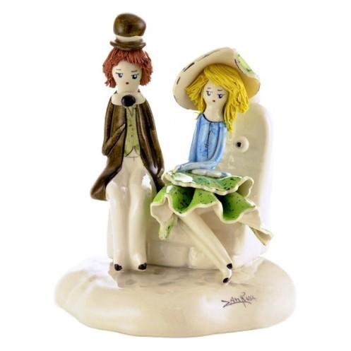 Фарфоровая фигурка Пара сидящая у фонтана от ZamPiva