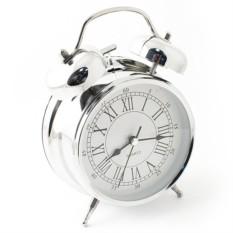 Настольные часы хромового цвета