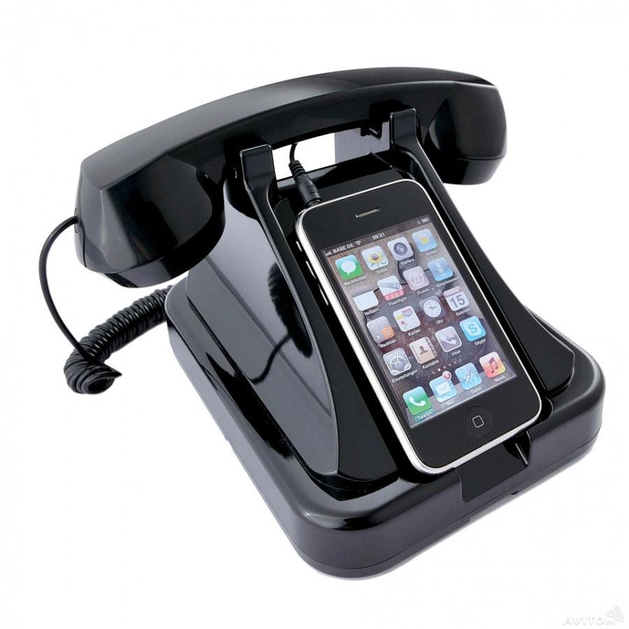 Ретро телефон к мобильному устройству, черный