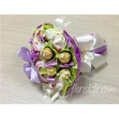 Фиолетовый букет из конфет Микс 17 с бантом