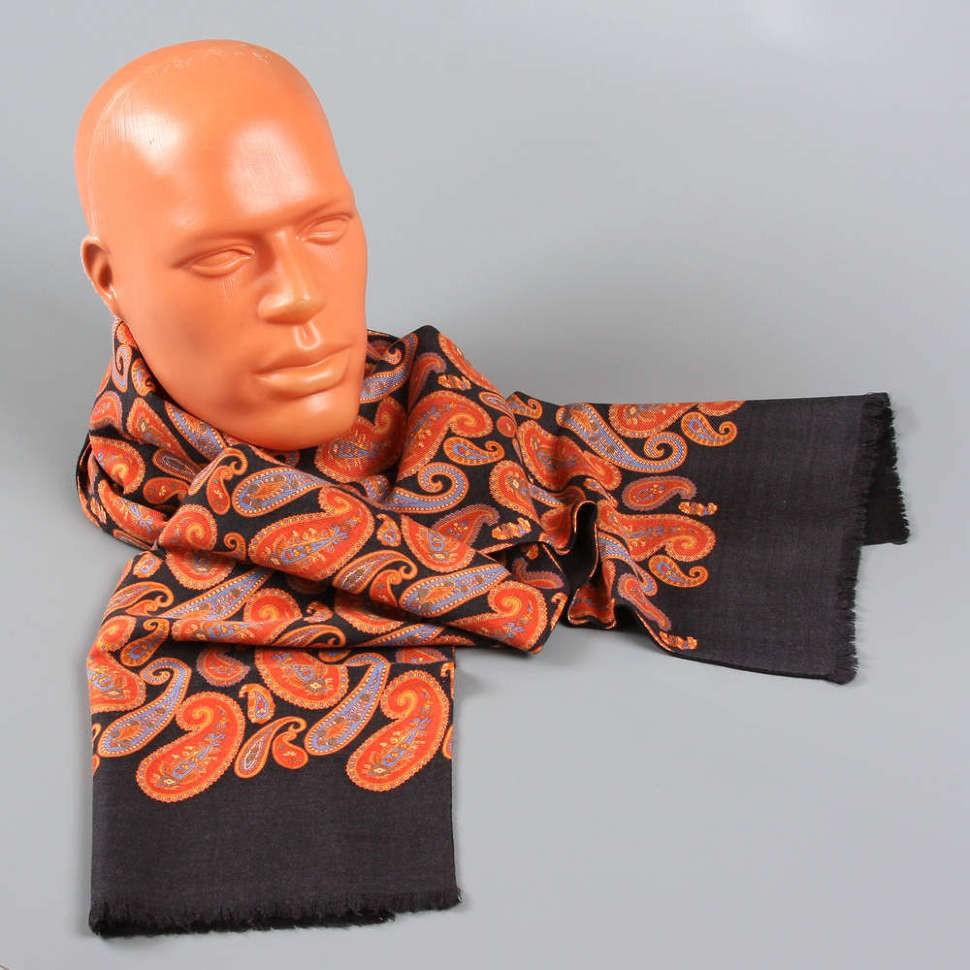 Черный шарф с ярким рисунком Club Seta
