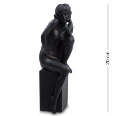 Статуэтка Девушка . высота 20 см