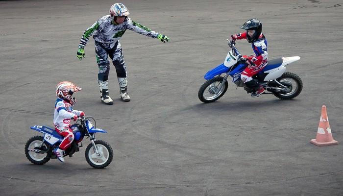 Обучение вождению мотоцикла для детей