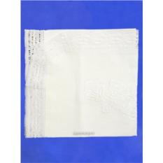 Белая овальная льняная салфетка с кружевной отделкой