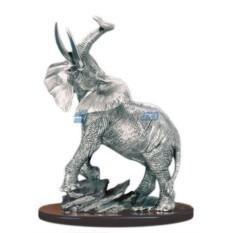 Скульптура Слон на камнях