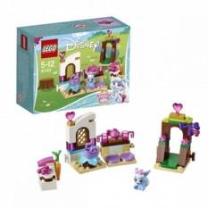 Конструктор Lego Duplo Принцессы Дисней. Кухня Ягодки