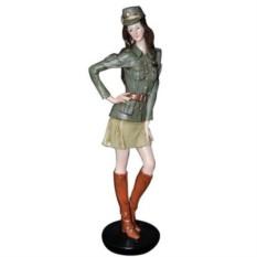 Фигурка Девушка в военной форме