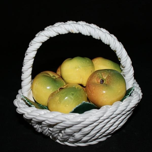 Корзина шестиугольная с яблоками
