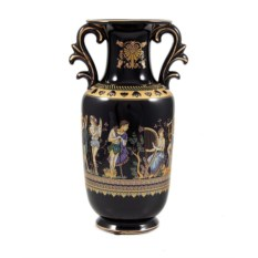 Декоративная ваза в древне-греческом стиле