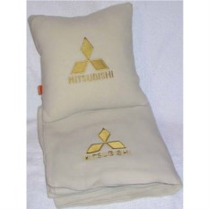 Бежевый плед с золотой вышивкой Mitsubishi