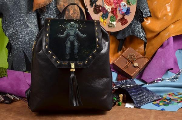 Женский черный кожаный рюкзак Мечта астронавта