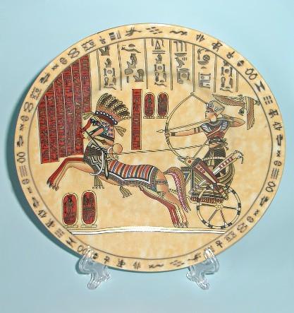 Сувенирная тарелка из Египта Золотая колесница