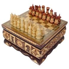 Резные шахматы в ларце