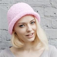 Розовая летняя шляпа из рафии