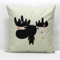 Мягкая подушка с оленем