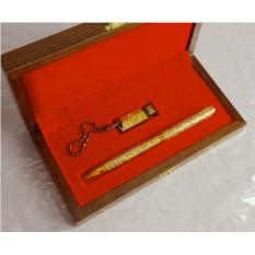 Набор из флешка с гербом РФ и ручки
