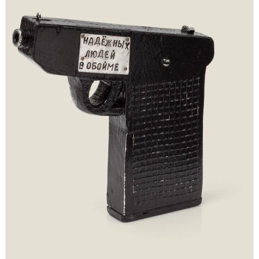 Визитница Пистолет надежных людей в обойме