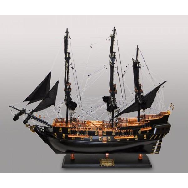 Модель парусника Black Pearl