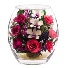 Цветы в стекле Композиция из роз и орхидей