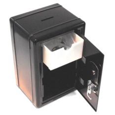 Копилка в виде металлического сейфа с ключом